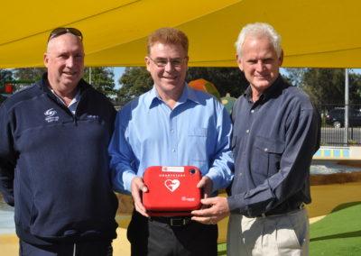 Presentation of Defibrillator to Ipswich Community Pool